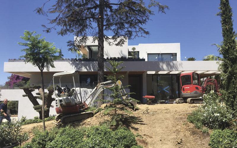 Maison fraîchement construite prévue pour le nettoyage intérieur